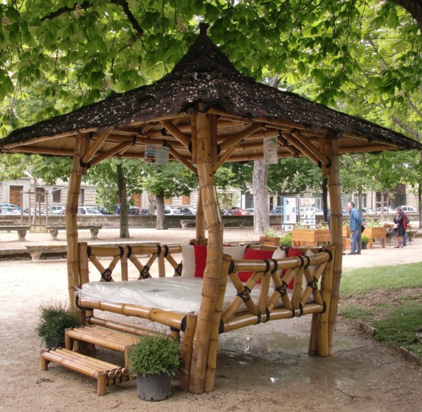 gaz bo ori bed en bambou vente abris de jardin en bambou et mobilier exotique. Black Bedroom Furniture Sets. Home Design Ideas