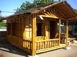Petite maison en bambou