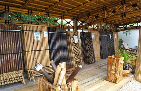 Grand choix de panneaux de clôture en bambou