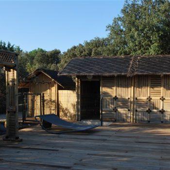 """Cabanes en bambou chambres d'hôtes """"Les Jardins de Chiron"""""""