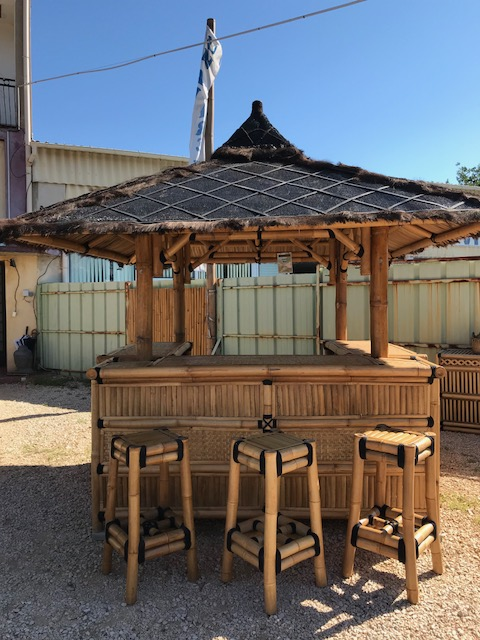 Paillote bar exotique en bambou