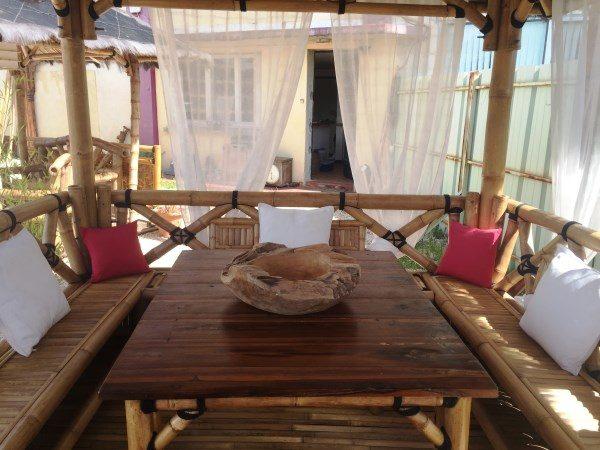 Gazebo modèle BALI avec table et bar
