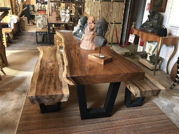 Table et bancs en bois exotique SUAR