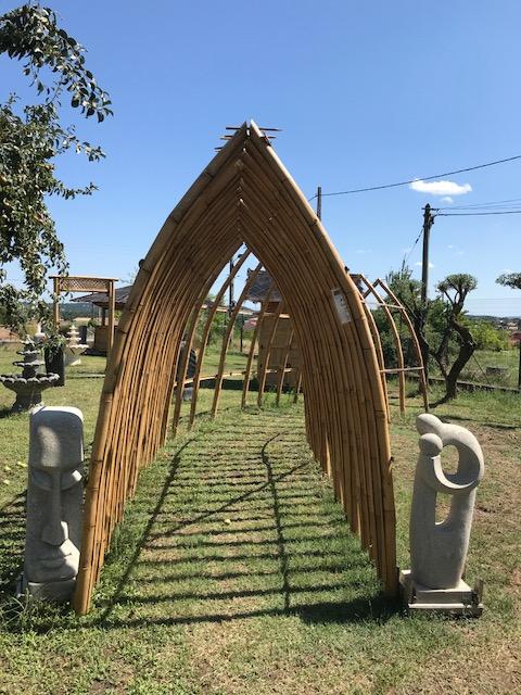 Dites-vous OUI sous belle jolie arche en bambou