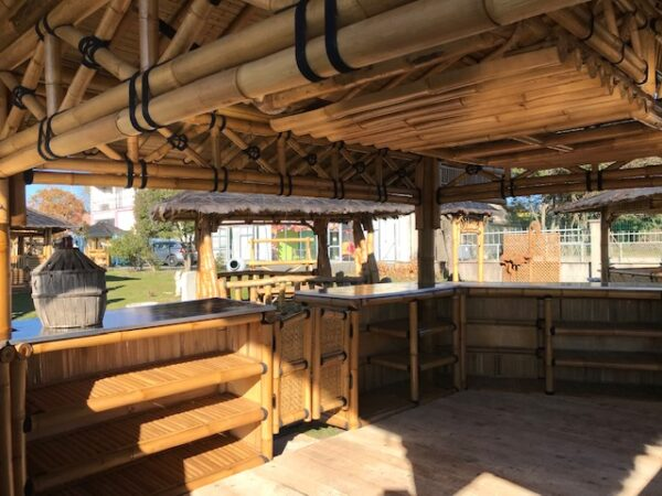 Intérieur du bar bambou