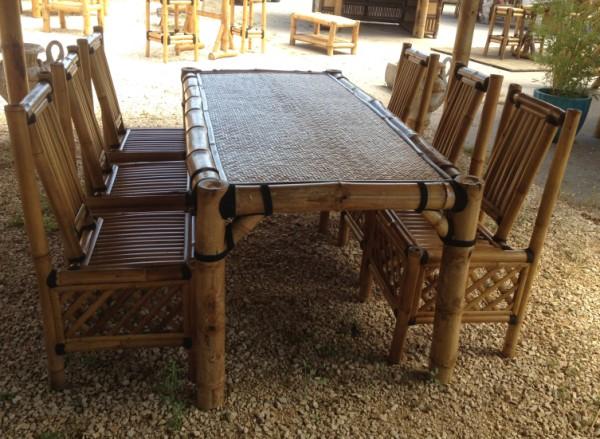 Salle manger en bambou for Mobilier bambou exterieur