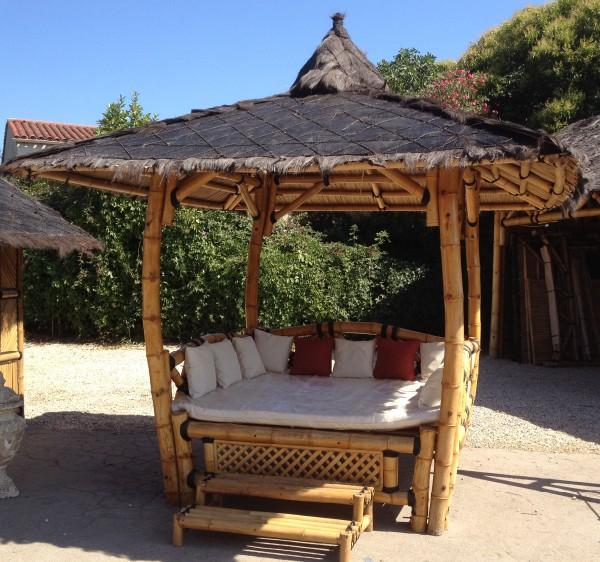 lit paillote vente abris de jardin en bambou et mobilier. Black Bedroom Furniture Sets. Home Design Ideas