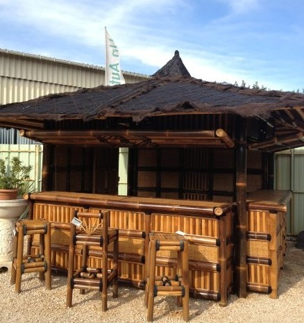 Gazebo bar en bambou