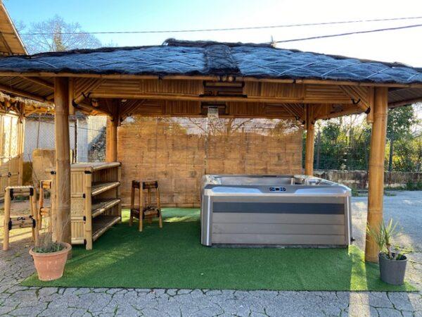 Modèle ULY rectangulaire pour abriter un spa
