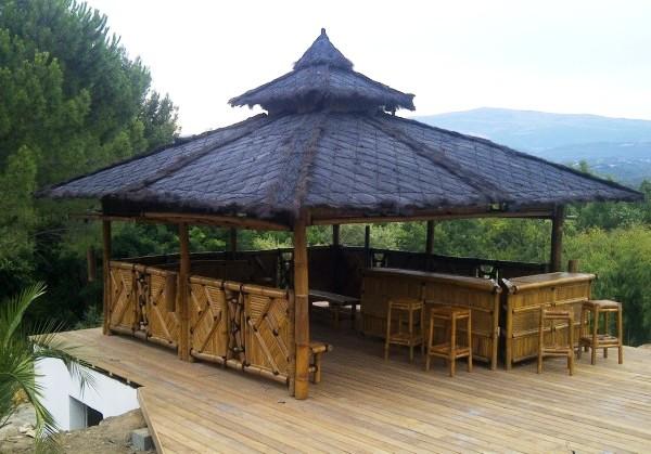 Modèle d'abri bar en bambou sur mesure