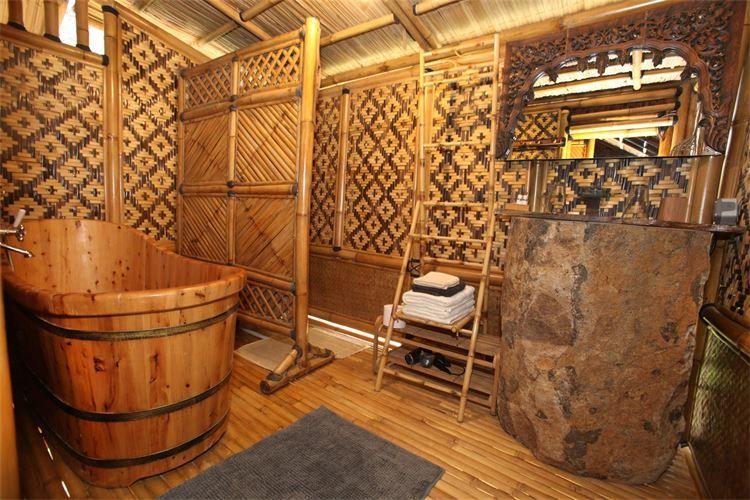 Aménagement intérieur d'une maison en bambou