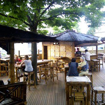 Aménagement exotique en bambou - Restaurant à Marmande