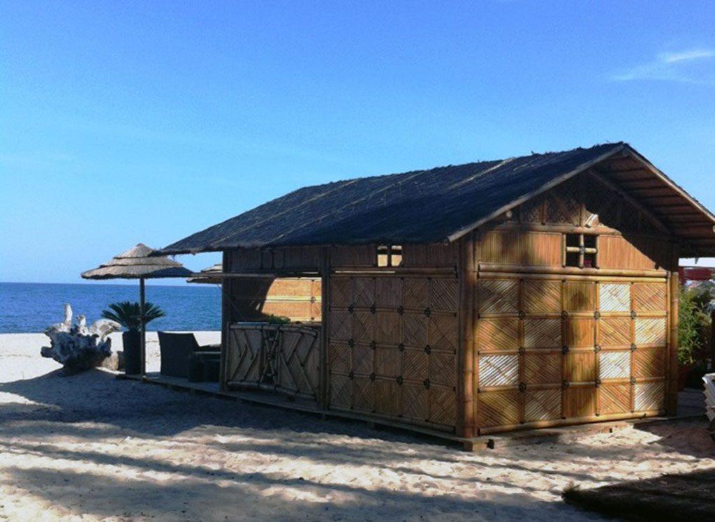 Gazébo bar pour plage privée chez un client en Corse