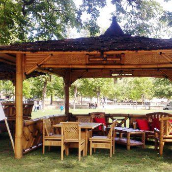Gazébo en bambou modèle ULY avec barrières de décoration